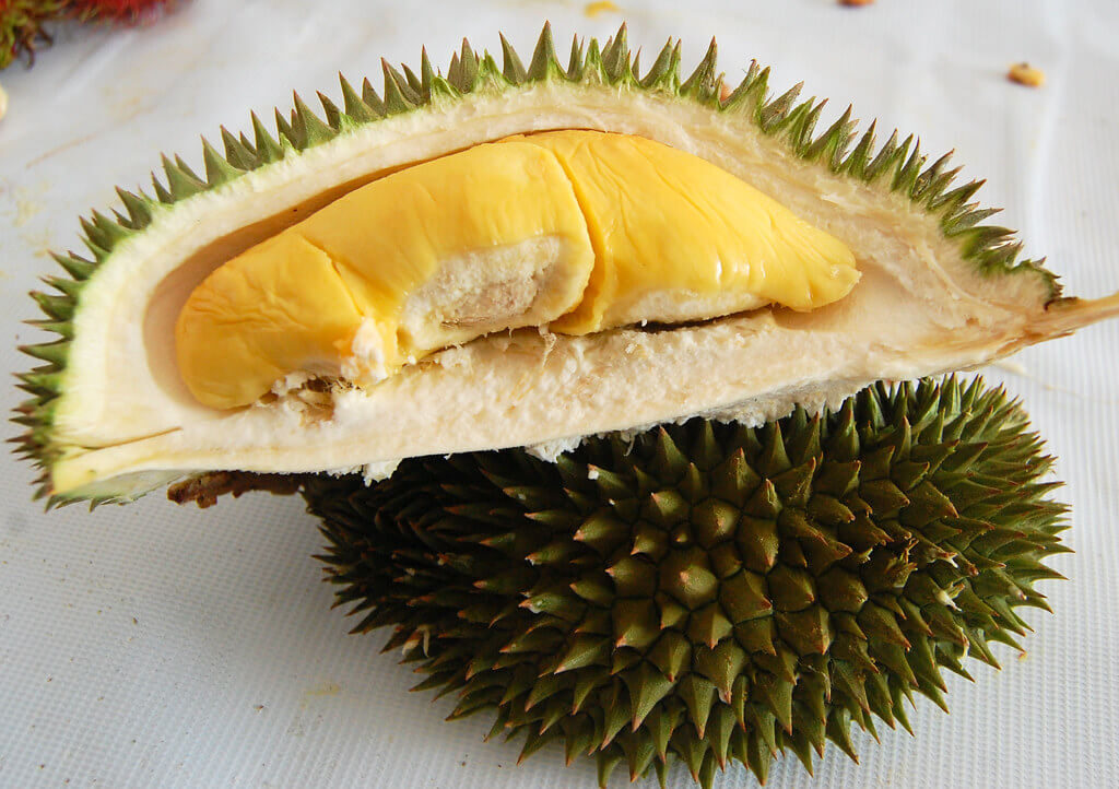How to Choose and Open Durian in Singapore